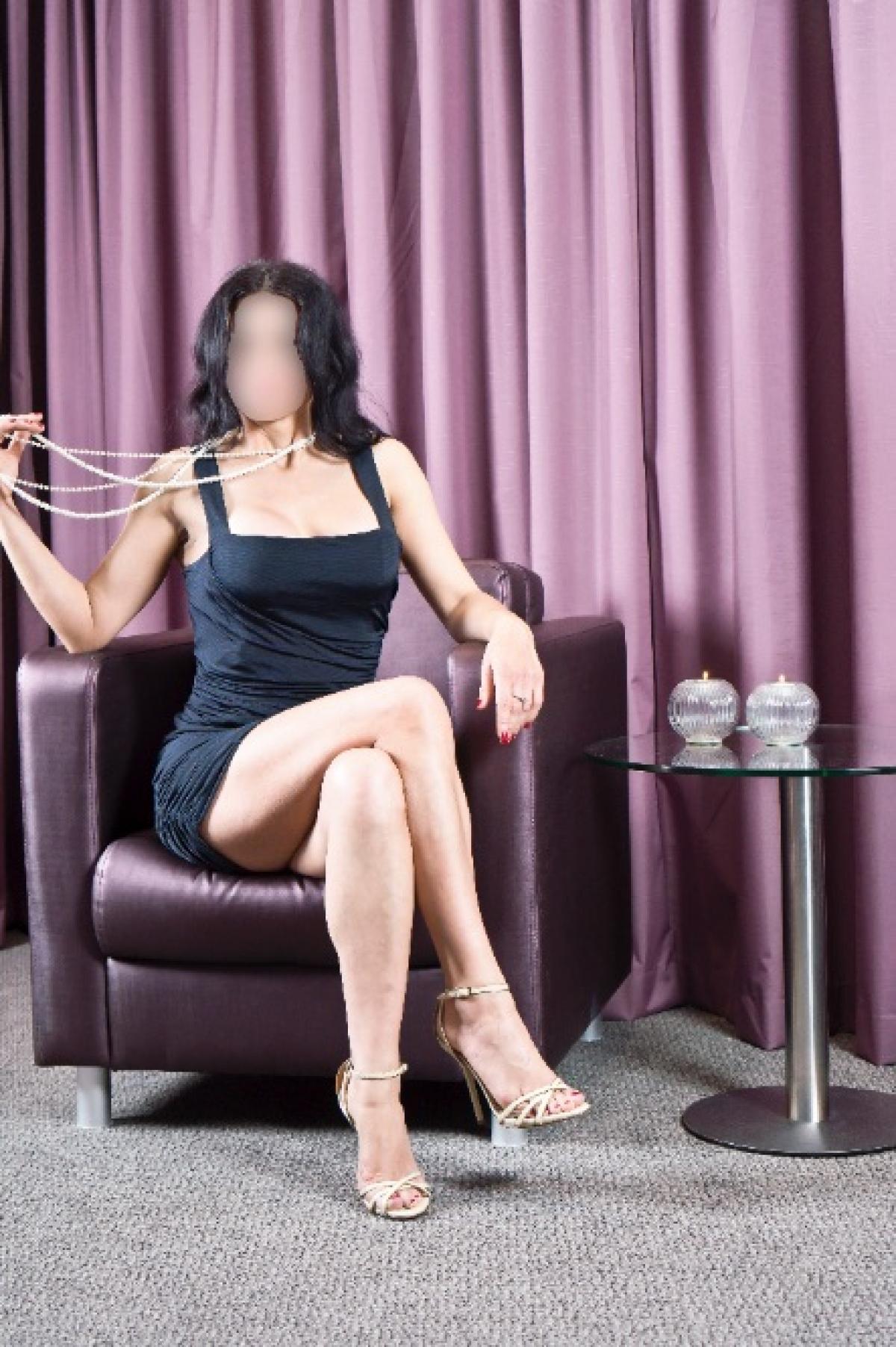 erotische massage vlaardingen high class escort worden
